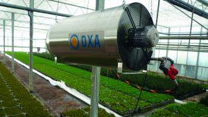Nagrzewnica gazowa Winterwarm DXA wykorzystana w wielkopowierzchniowej hodowli roślin.